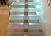 Glass_stairs_b